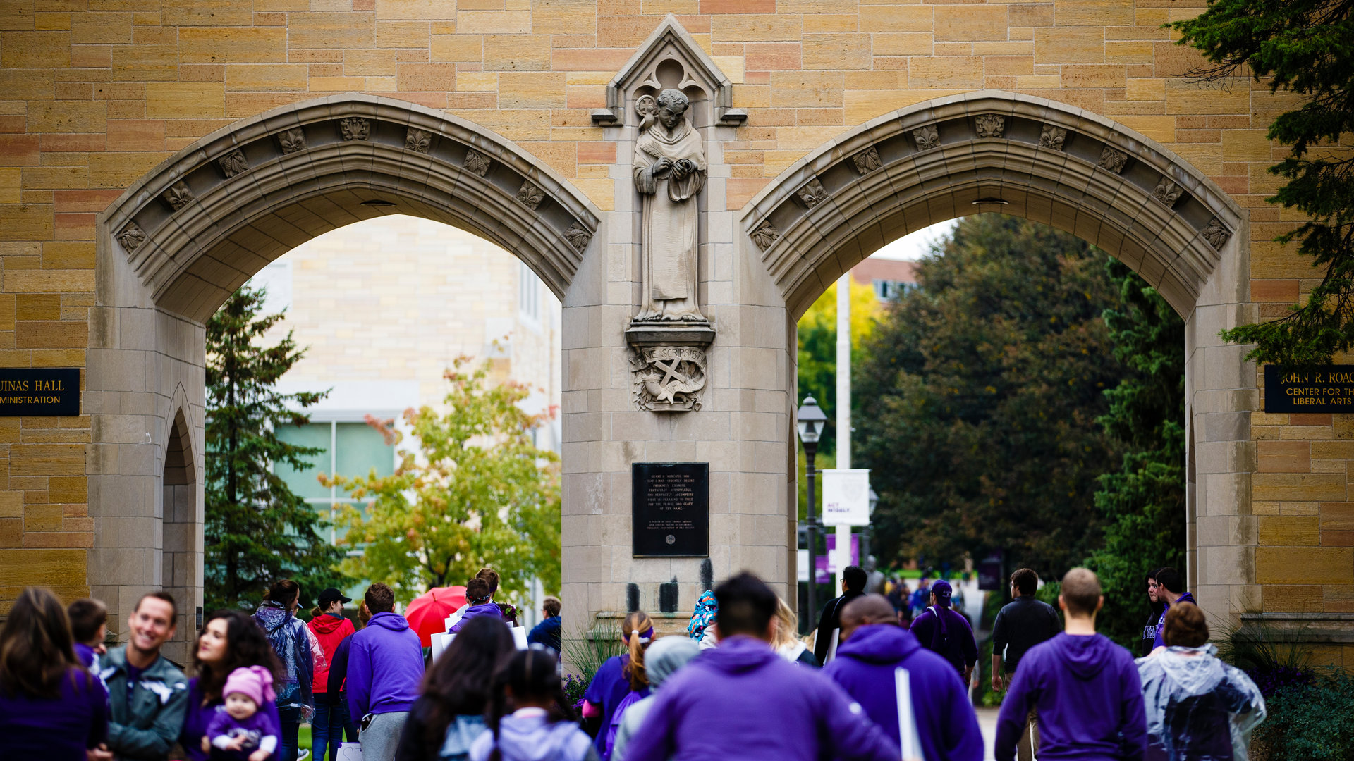 The infamous St. Thomas arches during a sunny day on campus.